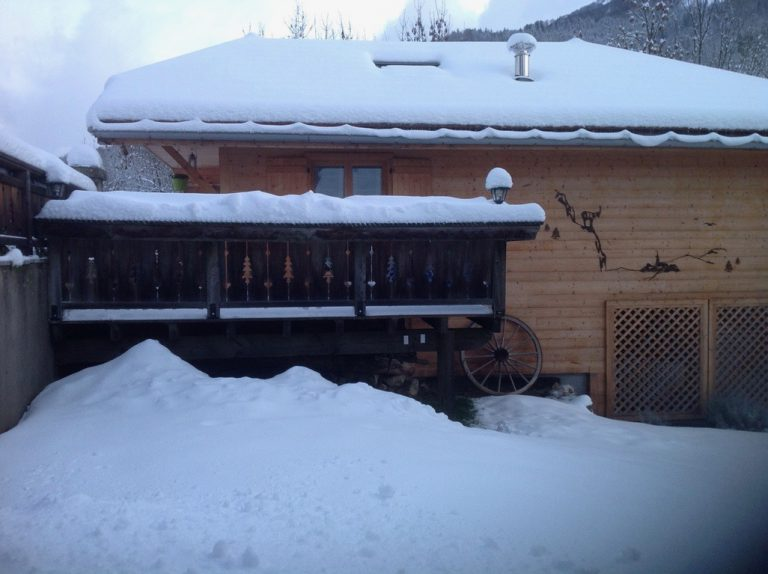 Le Mazot sous la neige